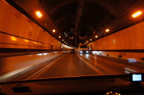 笹子トンネル内部